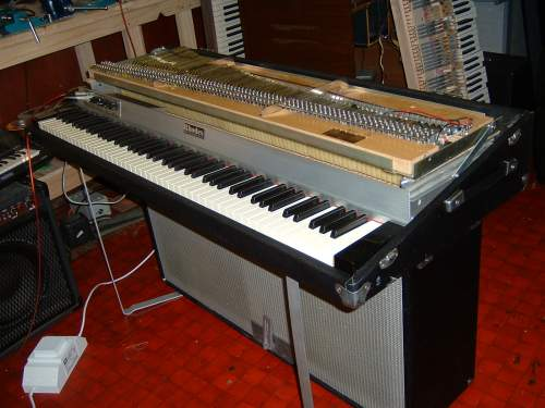 Rhodes Suitcase Piano repair
