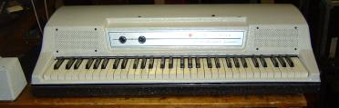 Whitewashed Wurlitzer, EP200